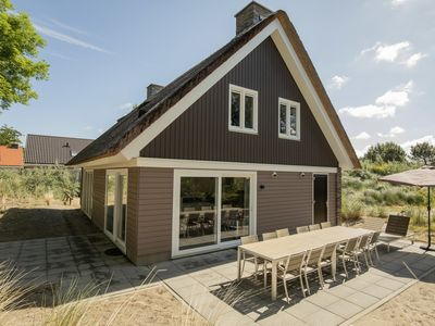 Photo for 12-person villa - Oudduin in the holiday park Landal Strand Resort Ouddorp Duin - on the coast/the beach