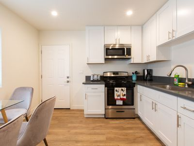 """Photo for NEW BEAUTIFUL APPARTMENT! USC! NEAR DOWNTOWN """"6"""""""