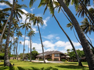Photo for 5 BR Luxury Beachfront Estate in Kahala, 2 Pools, Spa, Tennis, Gated