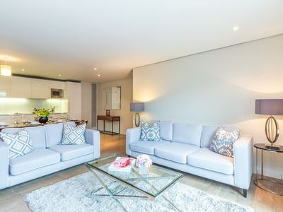 Photo for Stylish Three Bedroom Apartment Paddington