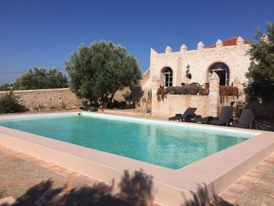 Photo for Beautiful house with swimming pool in a haven of peace