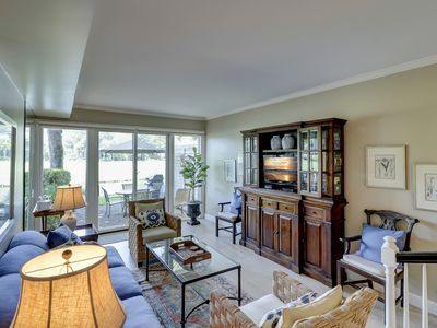 Photo for 189 Twin Oaks - Beautiful 2 Bedroom Townhouse on the Harbour Town Golf Course