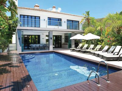 Photo for Peaceful, luxury villa close to amenities with private pool & free Wi-Fi