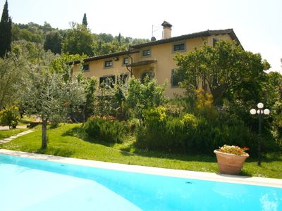 Photo for Elegant villa with tennis court, wi-fi, private pool and air conditioning. Castiglion Fiorentino