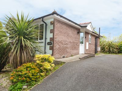 Photo for TAI SHAN, pet friendly, with a garden in Porthmadog, Ref 955867