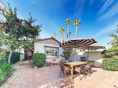 Exterior - Welcome to Balboa Island! Arrive on your own time with TurnKey's digital keyless lock system. No need to pick up keys at an office.