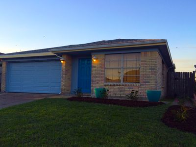 Photo for Cool, Eclectic House, Block to Beach/Rests, Family/Pet Friendly, WIFI SMART TVs,