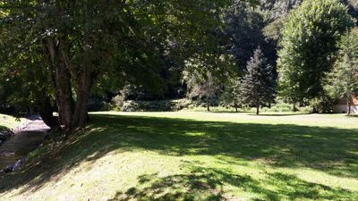 Play lawn games or picnic on the large, flat lawn at Baird's Creek near Valle Crucis in Banner Elk, NC. #walktowater