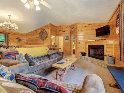 Photo for Great Expectations, 3 Bedrooms, Fireplace, Pool Table, Hot Tub, Sleeps 10