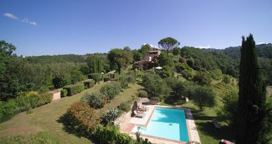 Photo for fenced heated pool, set in private estate, Tuscany/Umbria , natural AC, garden