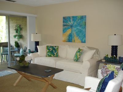 Photo for Gorgeous Newly Renovated 1 bedroom villa in the Bluff Villas, Sea Pines.