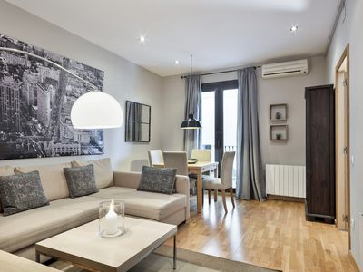 Photo for XIII. Mir apartment in Eixample Dreta with WiFi, air conditioning, private terrace, balcony & lift.