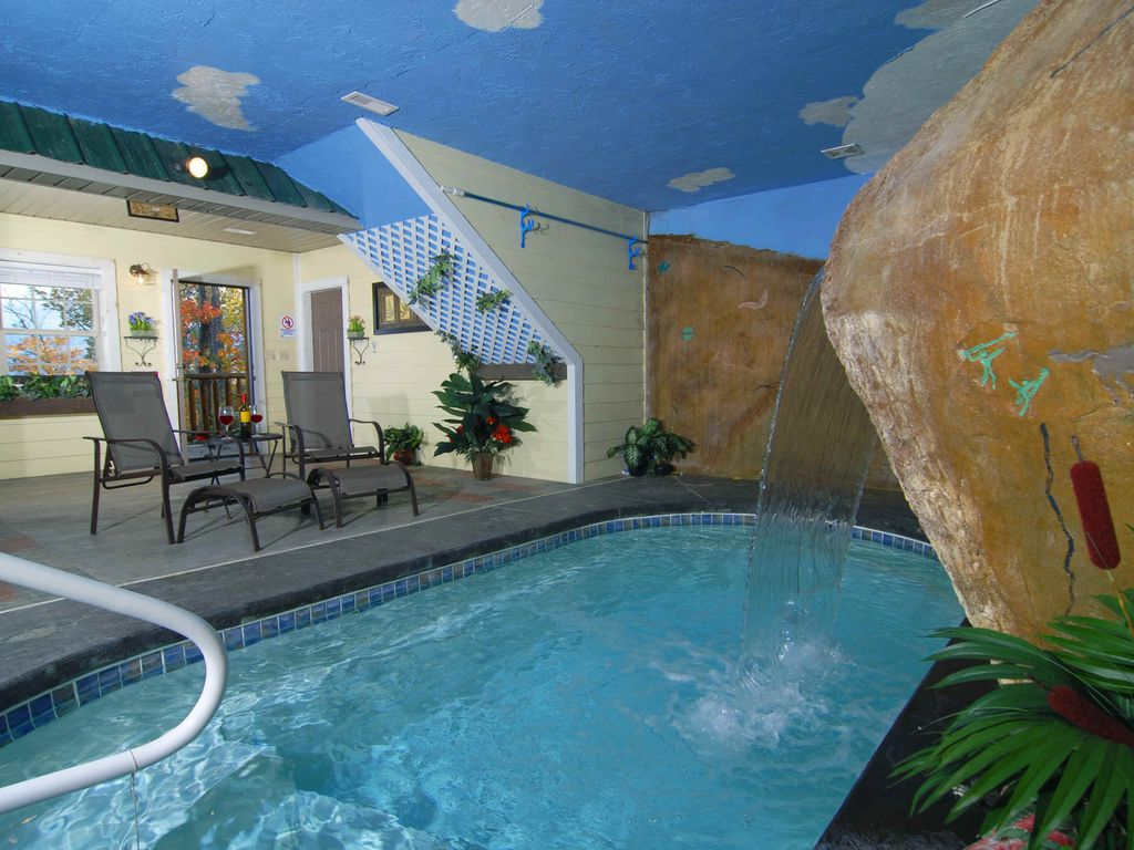 The Swimming Hole: Spectacular View, Indoor swimming pool! S/Secluded,  Premium+, Top Amenities! - Gatlinburg