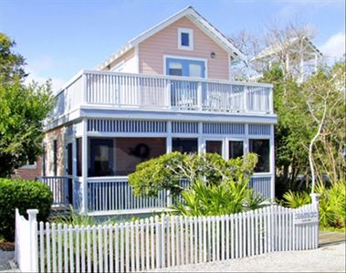 Tigers Paw Exterior - Cottage Rental Agency Seaside, Florida