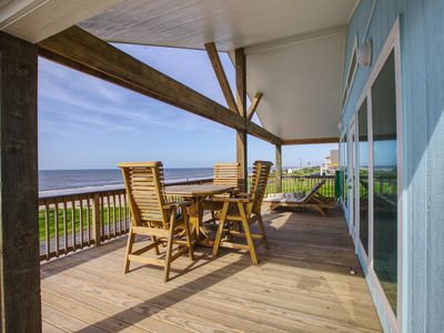Photo for BeachQuest Beachfront . 3 BR, 2 BTH, Gourmet kitchen, Oceanview.  Awesome Deck.