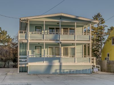 Photo for FABULOUS LOCATION! Glorious bay views for sunset dining and entertainment on deck