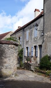 Photo for House with garden in the center of Vézelay - La Galerie Benjamine