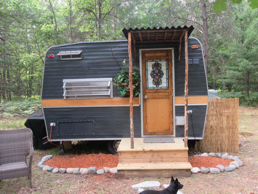 Vintage Remodeled Camper Perfect For 2 In Private Wooded Setting Bitely