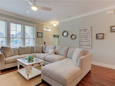 Photo for Madison House: 4 BR / 4.5 BA Seabrook in Pacific Beach, Sleeps 12