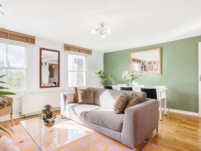 Photo for Bright and Elegant 2 Bed apt in Hoxton