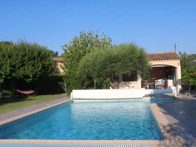 Photo for Villa with pool in a soothing setting between Nimes and Sommières
