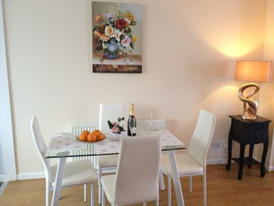 Photo for Two bedroom townhouse near Brookes University