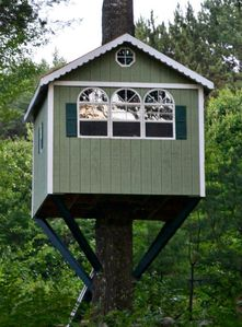 Photo for Cozy Waterfront Cottage With Charming Treehouse/guesthouse