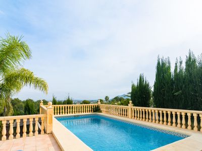 Photo for Detached villa with private swimming pool in Pedreguer