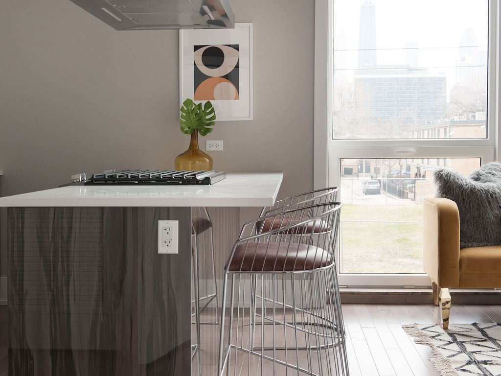 Bright 1BR in Near North by Sonder