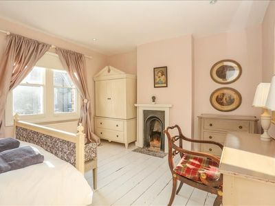 Photo for The Writer's Townhouse - Beautiful & Traditional 4BDR in Jericho