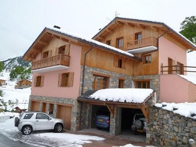 Photo for Spacious chalet 100m from the slopes of St Martin / 3 valleys ideal families or friends