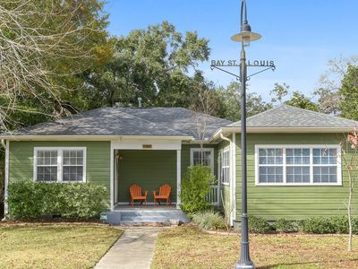 """Photo for Refurbished Quaint Cottage Bungalow-2 Blocks to """"Old Town"""" and Beach"""