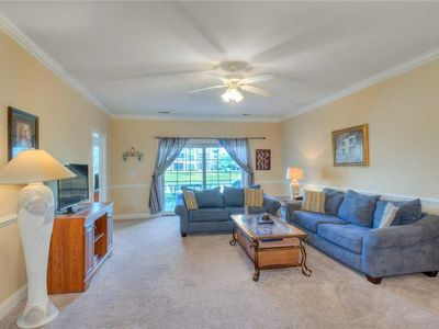 Photo for Pet Friendly Condo. Pool, washer/dryer and wifi. Near Broadway at the Beach!