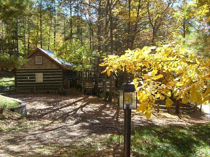 Rustic cabin mountain view boone fleetwoo homeaway for Boone cabin rentals nc