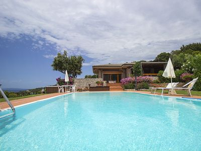 Photo for Villa with pool and beautiful sea view