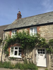 The outside of Melcombe Cottage