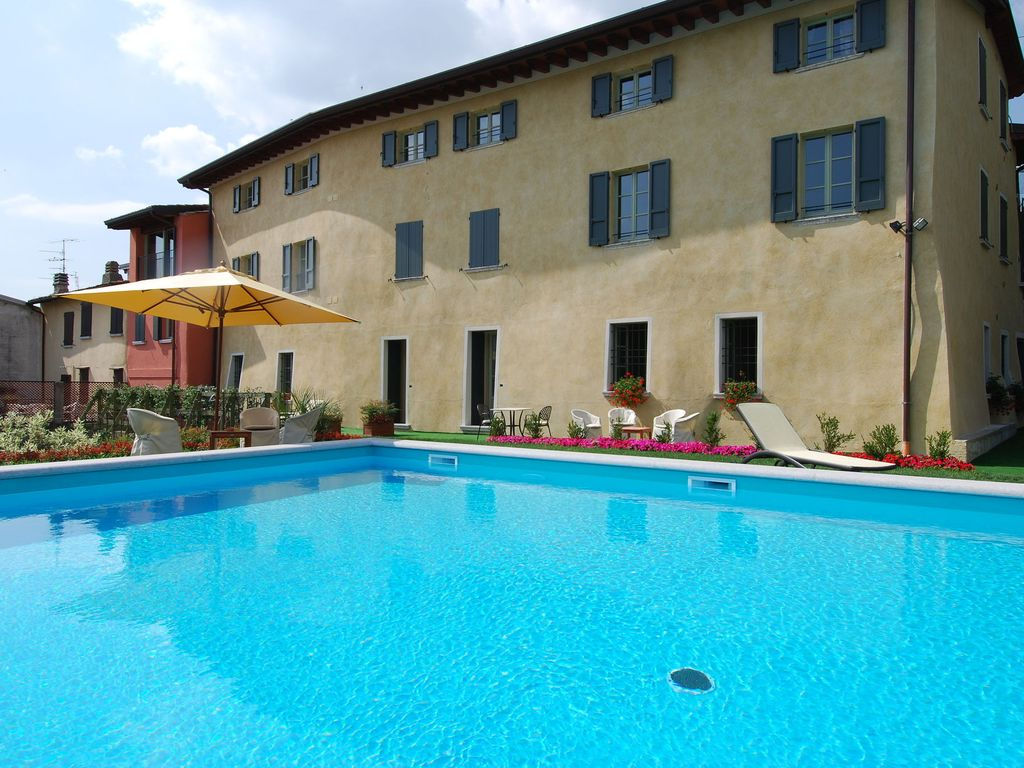 Charming Apartments With Swimming Pool Homeaway San Felice Del Benaco