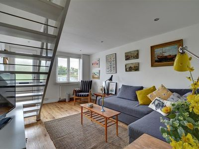 Photo for The Popinjay - Traditional cottage with a contemporary interior close to