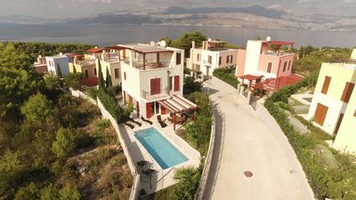 Photo for Cozy villa Dawn for 6 with pool and seaviews
