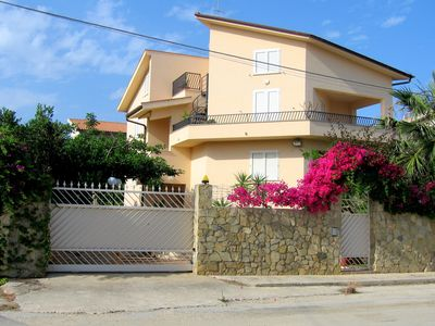 Photo for Cosy Holiday Home in Sciacca near Horse Riding