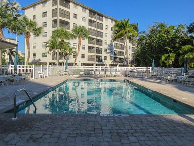 Photo for Pretty Estero Cove 2 Bedroom/2 Bath Island Vacation Condo Walking Distance To The Beach!