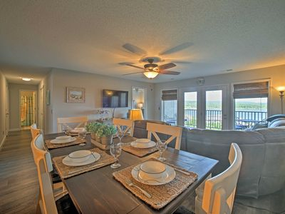 Photo for Remodeled Rock Lane Resort Condo w/Pool Access!
