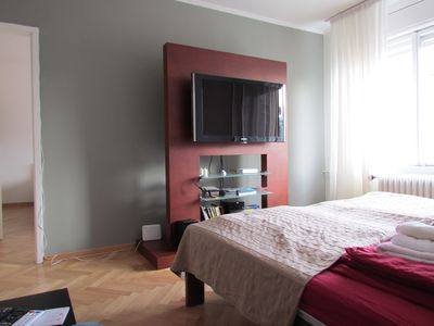 Photo for 2 Bedroom Apartment Sunny & Spacious With Free Parking