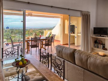 Los Olivos Penthouse With Spectacular Views With Free Wireless Internet