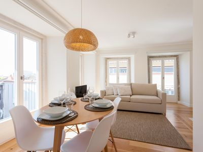 Photo for Spacious Portas do Sol Cozy apartment in Alfama with WiFi & air conditioning.