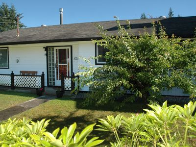 Photo for Three bedroom Family Vacation Home is close to all of Sechelt's many amenities.