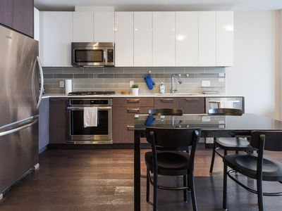 Photo for Luxurious 1 Bedroom Condo With Air Conditioning In Vancouver/Richmond