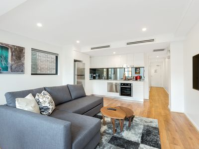 Photo for 1 bedroom modern self contained apartment situated in historical Sydney suburb