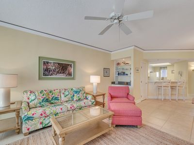 Comfortable Seating in Living Room at 3303 Windsor Court South