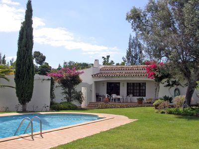 Photo for Holiday house with pool in Serra e Mar near Alvor, Algarve, Portugal